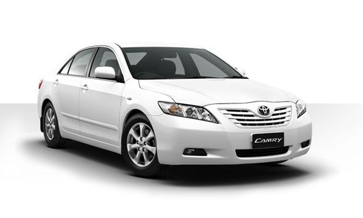Large Sedan : Toyota Camry